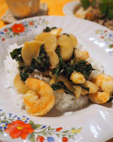海老で作るガパオ炒めも美味!